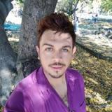 Profil Isay F.
